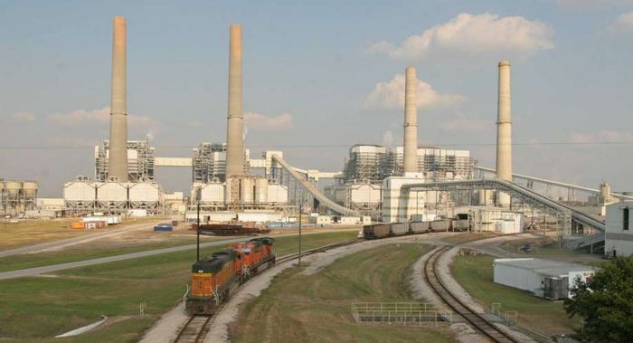 The W.A. Parish Power Plant in Fort Bend County. Photo: The Houston Chronicle
