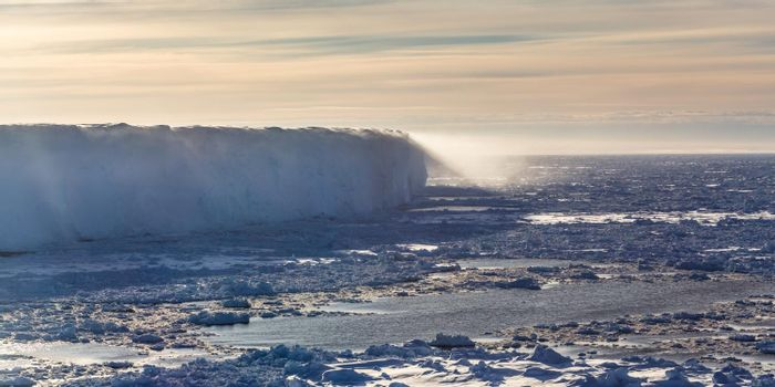 Shelf ice edge in the Atka Bay, eastern Weddell Sea. Photo: Phys.org