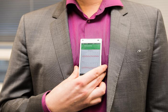 The app can detect atrial fibrillation when it is held against the person's chest. Credit: Hanna Oksanen / University of Turku