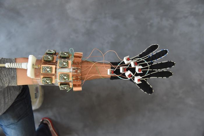 In a first for MRI, a glove-shaped detector proved capable of capturing images of moving fingers. Credit: NYU School of Medicine