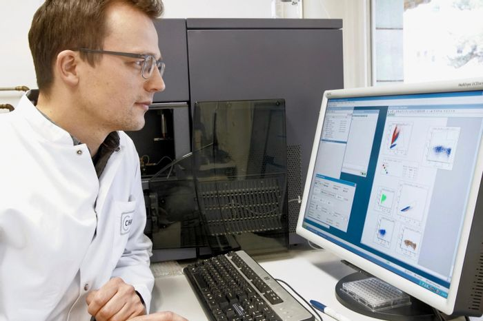 This is Dr. Nicola Wilck in the lab. / Credit: AG Müller, ECRC/MDC