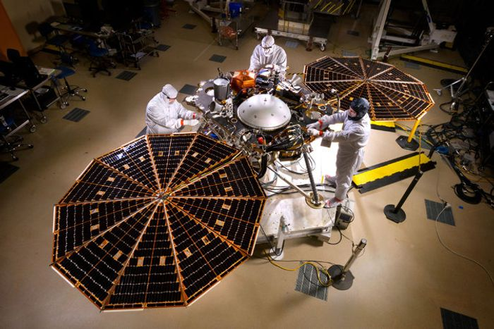 NASA will have to postpone its InSight lander for 2018 after a faulty component was discovered.
