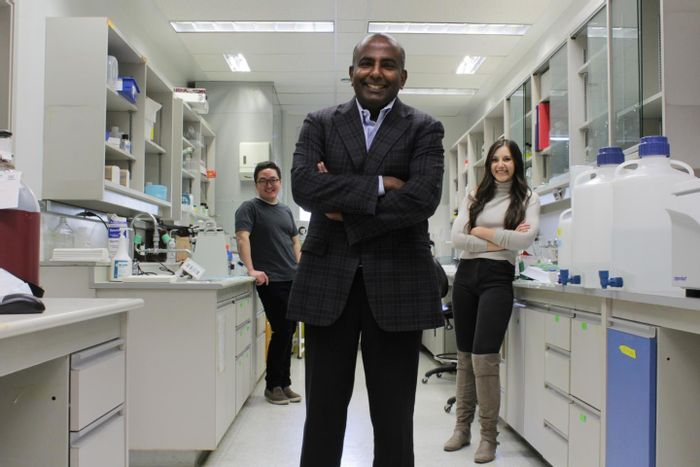 """University of Alberta cardiology professor Gavin Oudit (centre) and PhD candidates Hao Zhang (left) and Anissa Viveiros were part of an international research team that mapped out an """"atlas"""" of all the cell types and genes expressed in the healthy human heart. / Credit: Ryan O'Byrne"""