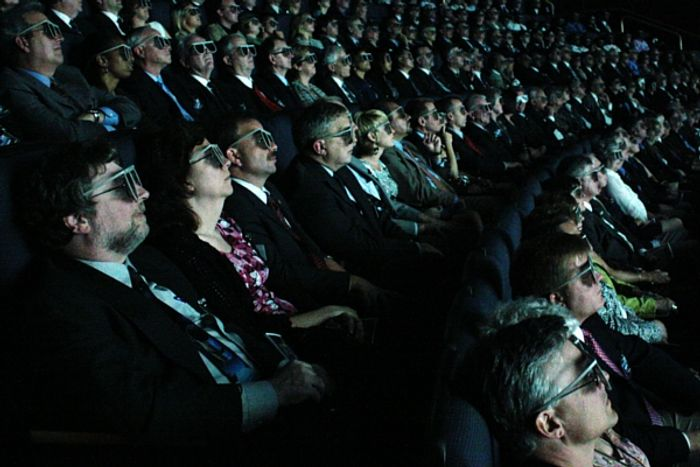 3D movies and brain training, is there a connection?