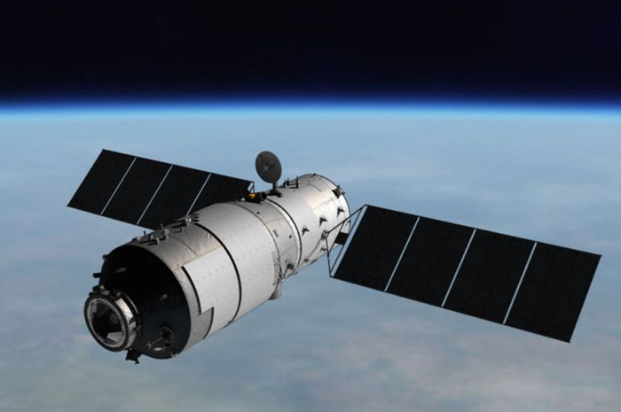 China's Tiangong 1 space lab may or my not be headed back to Earth, according to reports.
