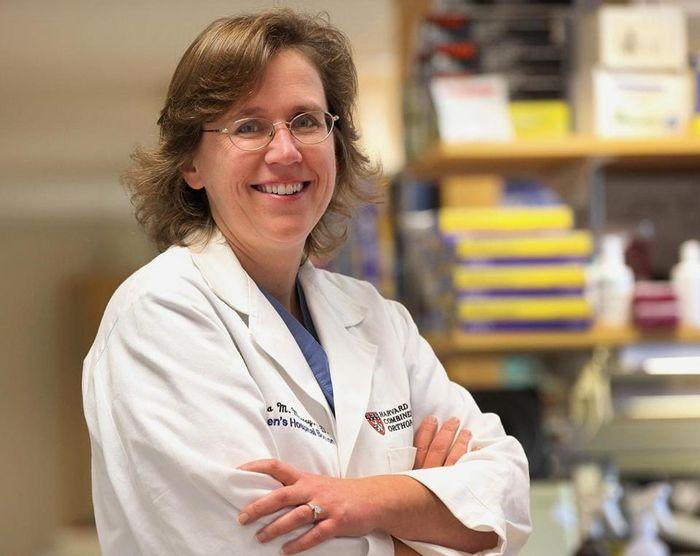 Dr. Martha Murray
