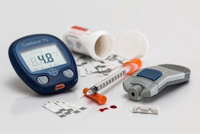 For nonprescription insulin, do the benefits outweigh the risks?