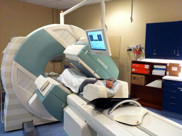 Single-photon emission computed tomography (SPECT)