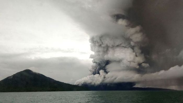 The eruption spewed ash and dust into the surrounding area. Photo: BBC