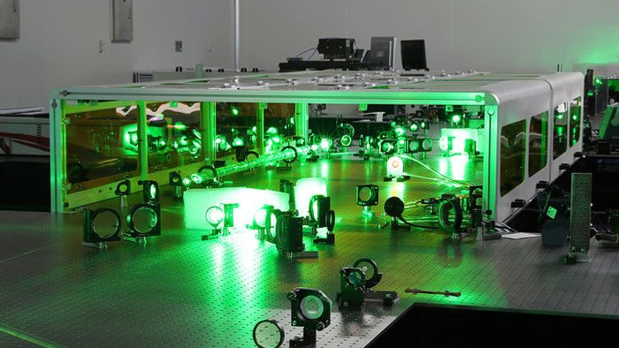 A laser in Shanghai, China, has set power records yet fits on tabletops.               KAN ZHAN