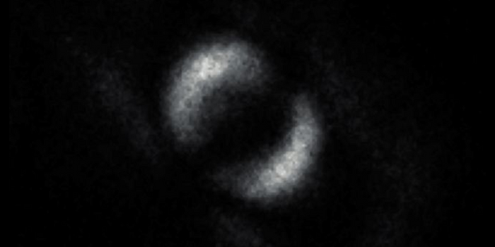 A photo showing the entanglement of two photonic particles (University of Glasgow)
