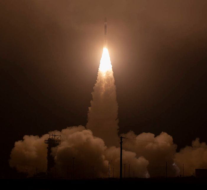 A beautiful photograph depicting the ICESat-2 launch.