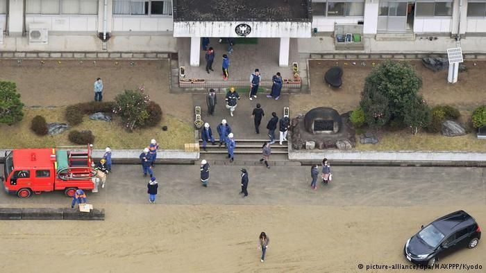 Flooding from the tsunami. Photo: Deutsche Welle