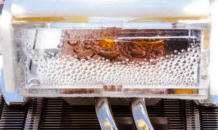 The super-efficient device that can extract moisture from the very dry air. Credit: MIT