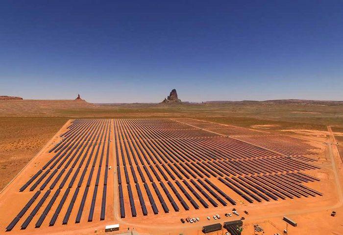 Kayenta Solar Project, credit: NTUA Facebook page (facebook.com/NTUAHome/)