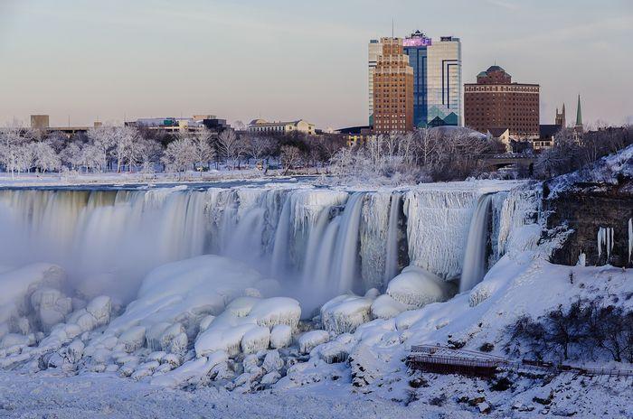 Frozen Niagara Falls. Photo: SciJinks
