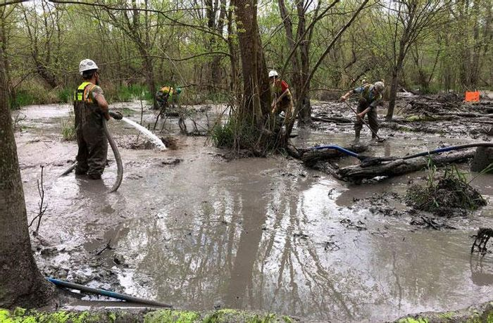 The scene at an Rover Pipeline spill in Stark County, Ohio. Photo: WOSU Radio